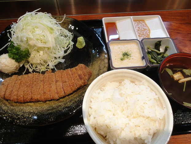 新宿駅_牛カツもと村_定食