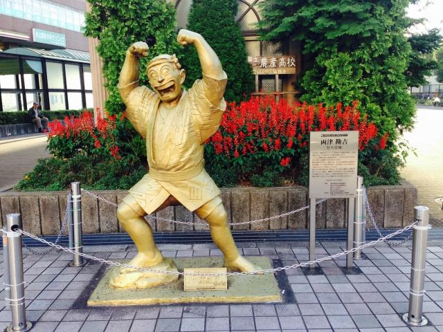 亀有駅_象徴_こち亀の両津