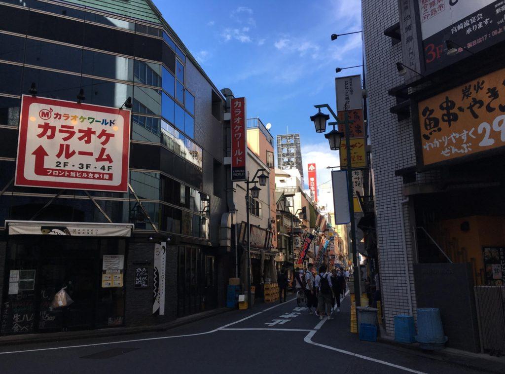 新宿三丁目駅_居酒屋やカラオケ