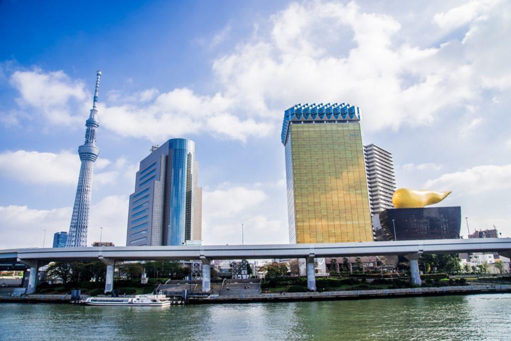 押上駅(スカイツリー前)_東京スカイツリー周辺のビルと水上