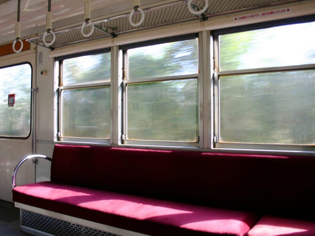 電車内で暇つぶし_車窓