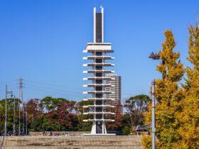 駒沢大学駅_駒沢オリンピック公園_記念塔