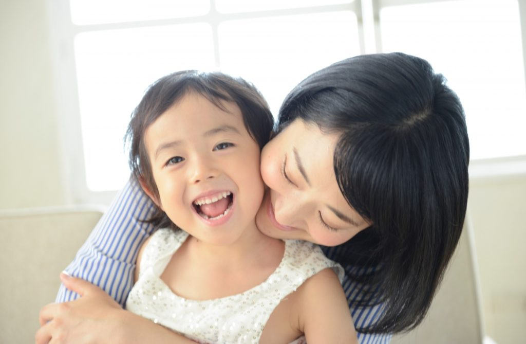 子供と家の中で楽しくできる遊びと暇つぶし_娘と母