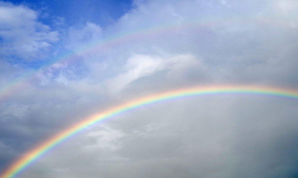 大雨の日や梅雨における暇つぶし_雨がやんだあとの虹