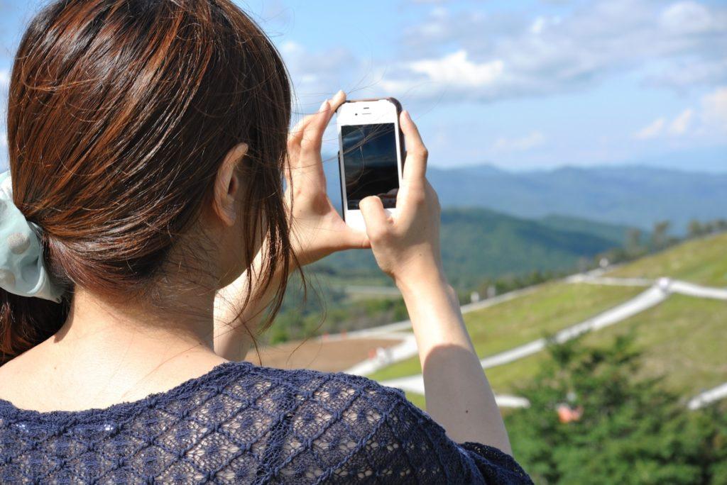 旅行先のホテルでカップルにおすすめの暇つぶし_スマホでカメラ撮影
