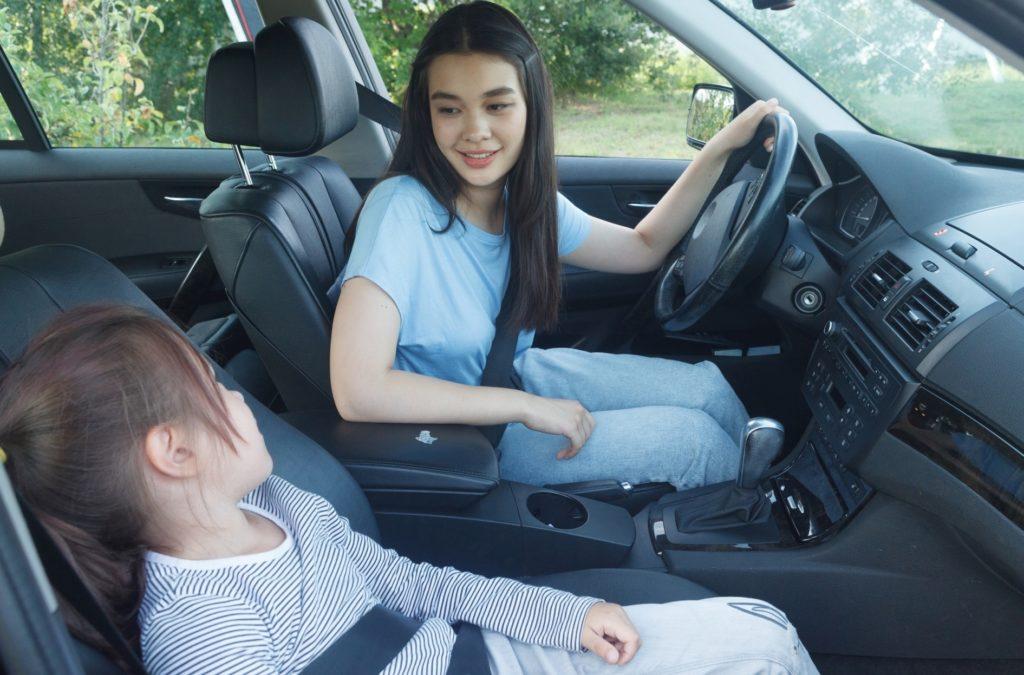 ドライブ中に子供と一緒にできる暇つぶし_母と娘