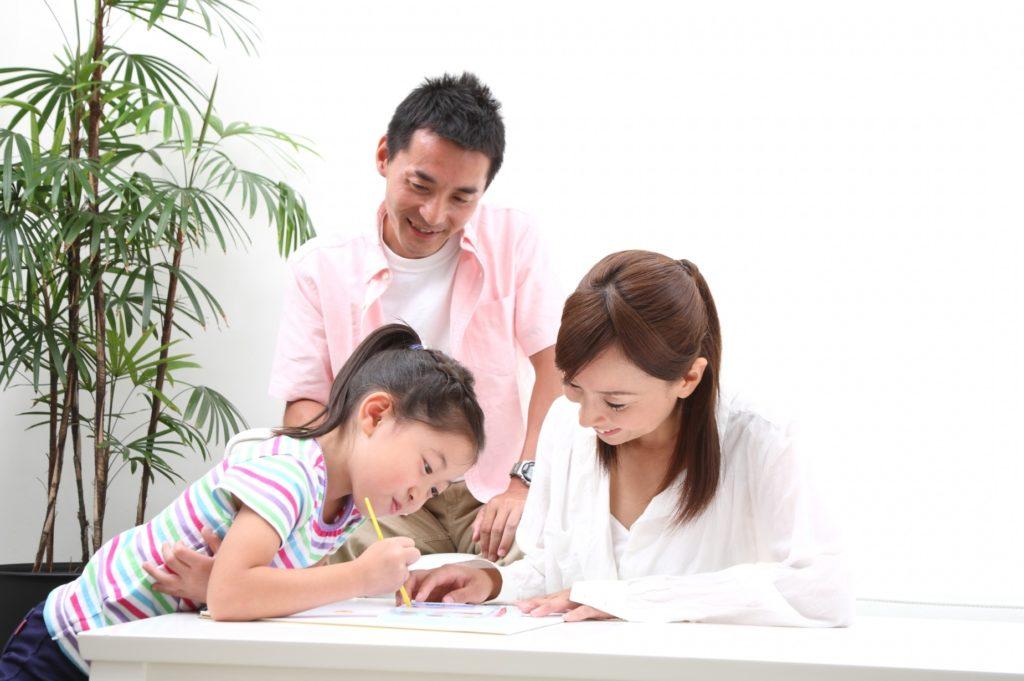 子供と家の中で楽しくできる遊びと暇つぶし_親子でお絵かき